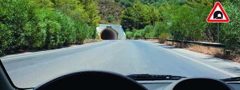 Этот знак предупреждает Вас о приближении к тоннелю, в котором: